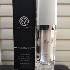 Forever Flawless Cleansing complex